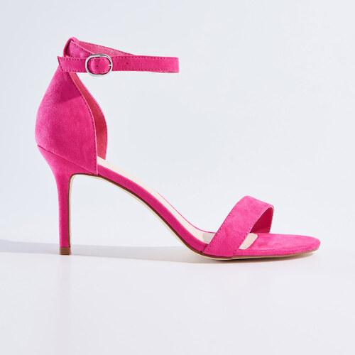pink magassarkú szandál