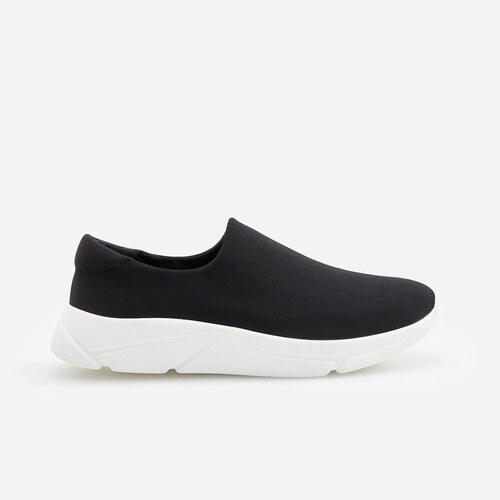 Reserved Belebújós cipő Fekete GLAMI.hu