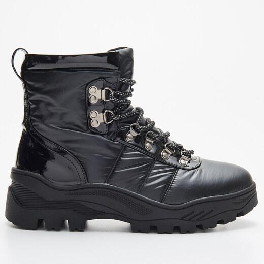 Cropp Vastag talpú téli cipő Fekete